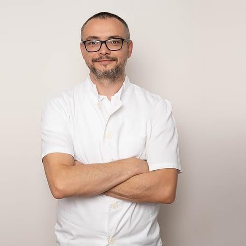 Dr. Dejan Mišćević